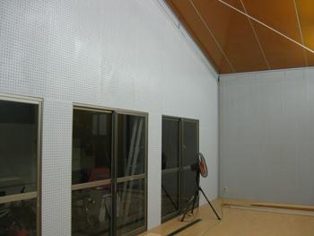 Room_091208_07